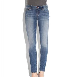 mid rise skinny in long!!